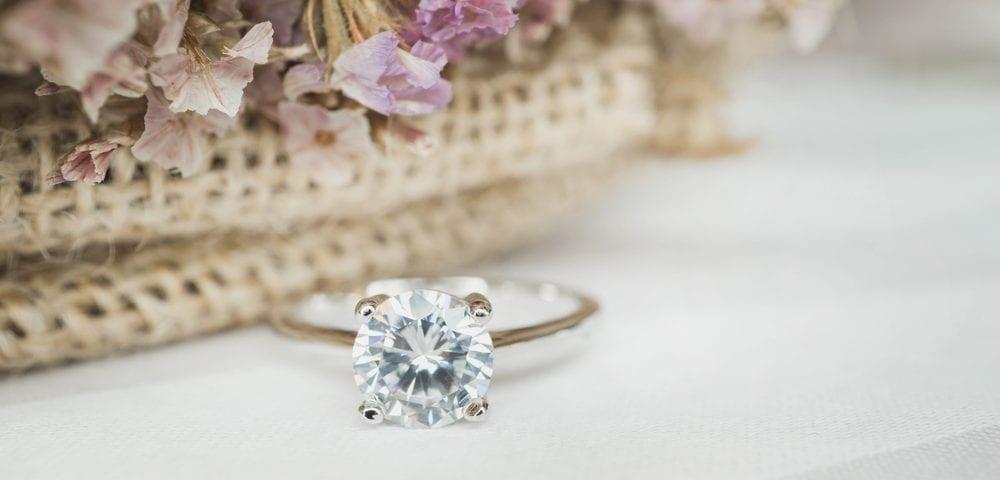elongated diamond cut shape