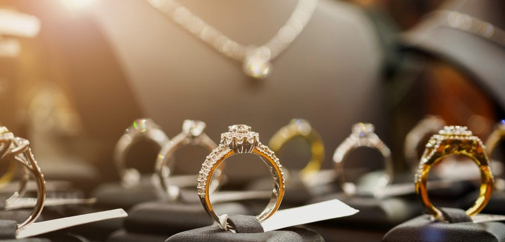 diamond jewelry options minimalists