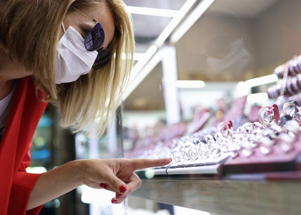 Five Useful Tips in Buying Jewelry During the Pandemic